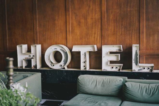 Hotel perks, Bill Anastas, Unsplash.com