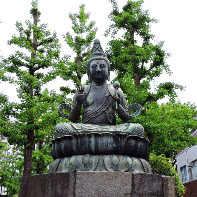 Senso-ji Temple statue in Tokyo, Japan