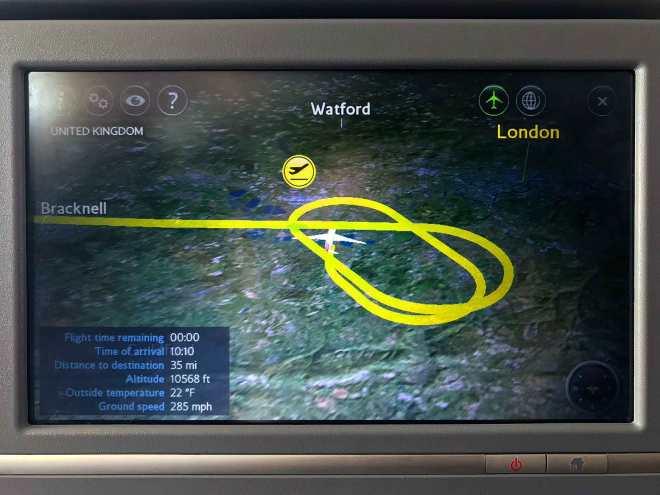 flight path while circling heathrow